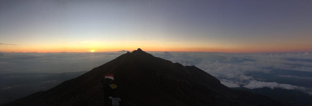 Matka pilvien ylle: Mt. Agung vuoren valloitus